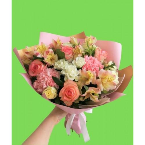 """Букет из роз и альстромерий """"Прекрасной леди"""""""
