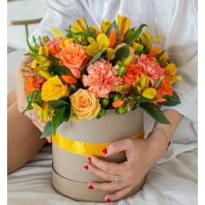 """Цветы в коробке """"Мандариновый Фреш"""""""