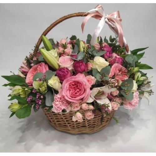 Цветы в корзине Престиж