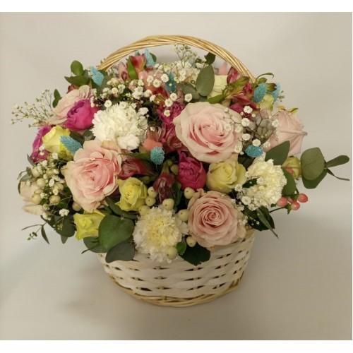 Цветы в корзине Эстет