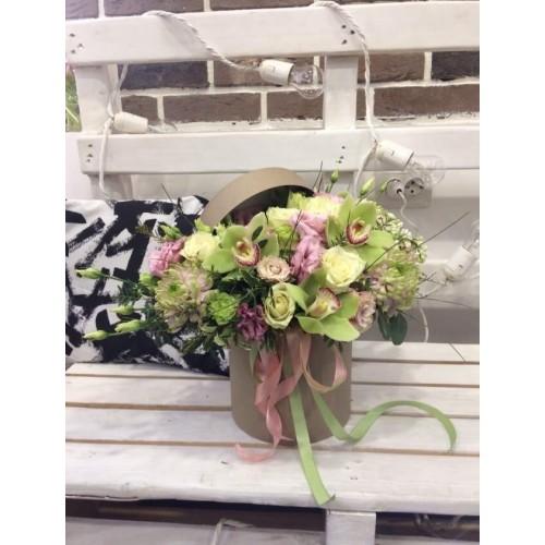 """Цветы в коробке """"Капучино"""""""