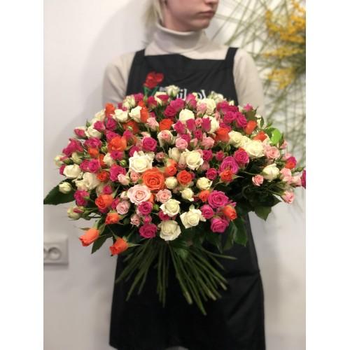 Букет из 51 розы (разноцветные)